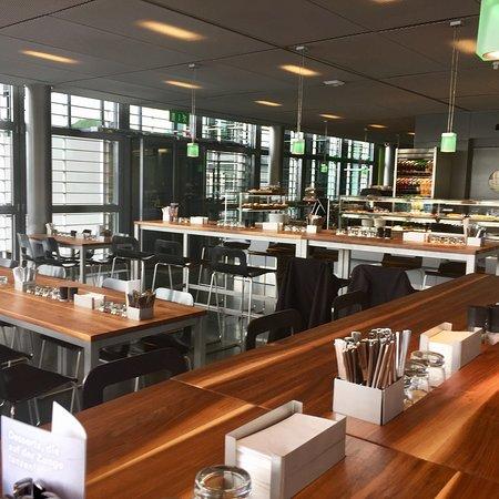 Im World Café geniessen Sie in entspannter Atmosphäre feine ...
