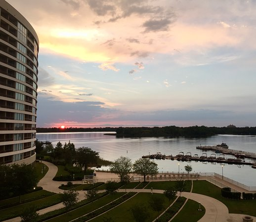 Bay Lake Tower at Disney's Contemporary Resort: View from fifth floor walkway