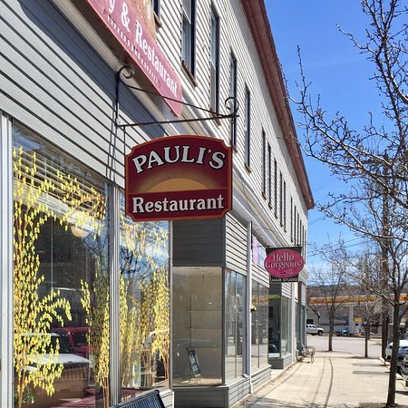 Franklin, NH: Pauli's Bakery & Restaurant