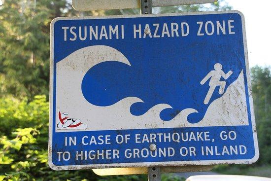 Chesterman Beach : It is a Tsunami zone.
