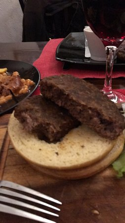Hawkesbury Upton, UK: A dry inedible 'gourmet burger' costing an extortionate amount