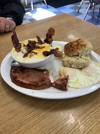 Dryden, WA: biscuits, grits, ham & eggs