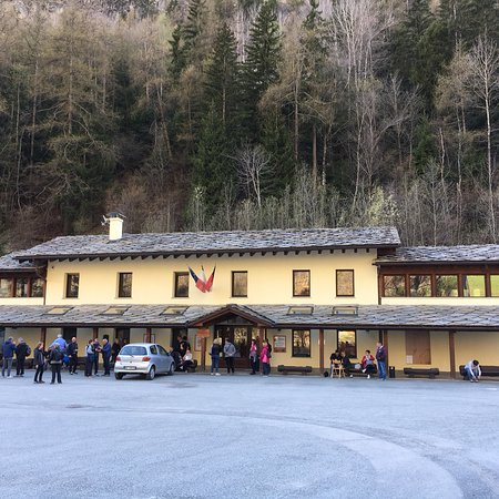 Valpelline, Italy: La fromagerie.