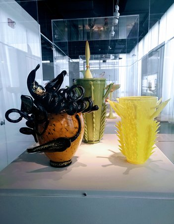 Corning, NY: Pieces by Dave Chihuly