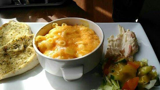Highland Getaway Restaurant: received_10156263599146171_large.jpg