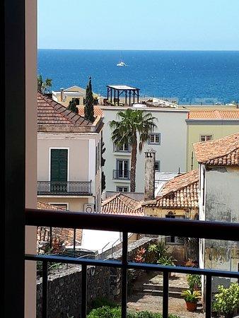 hotel albergaria dias funchal portugal voir les tarifs 20 avis et 172 photos. Black Bedroom Furniture Sets. Home Design Ideas