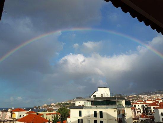 Hotel Albergaria Dias: Zimmeraussischt mit Regenbogen