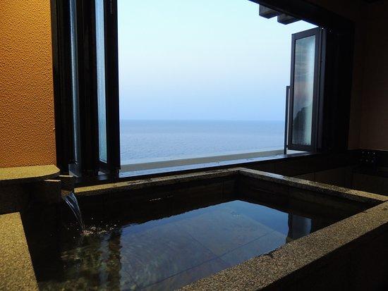 Shunkei Roman Gimpaso : 部屋付きの半露天風呂