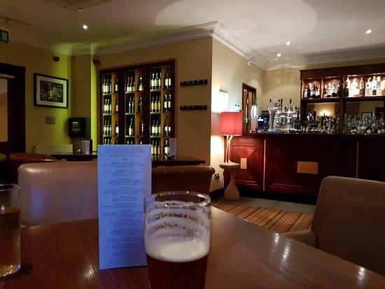 Wentbridge, UK: Bar area