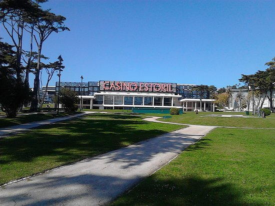 Casino Estoril: The exterior of the casino