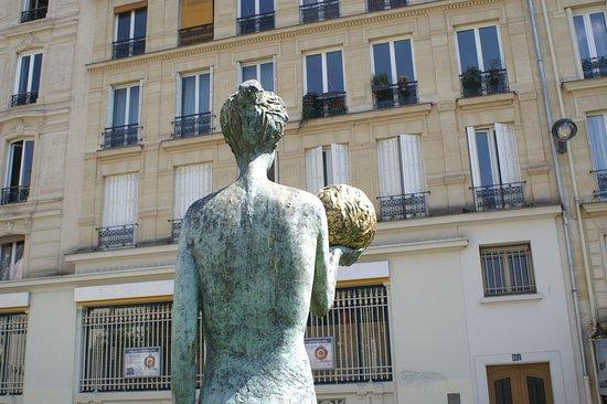 Statues Héméra et Sisyphe