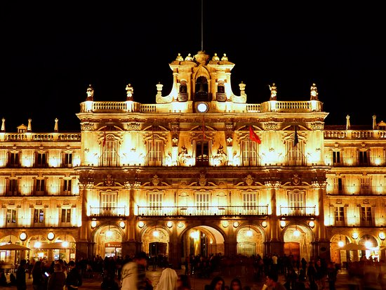 Plaza Mayor: Fachada del ayuntamiento