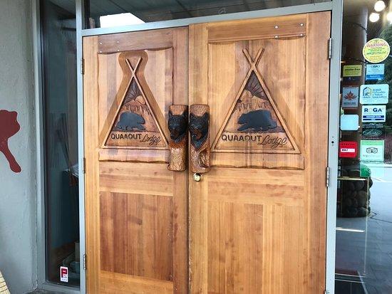 Quaaout Lodge - Jack Sam's Restaurant: Welcoming front door