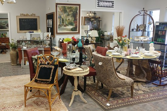 Humane Society Resale Shop and Boutique: High Quality home furnishings