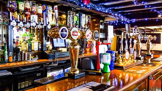 Cowley, UK: Our Bar With New Guest Ales Every Week