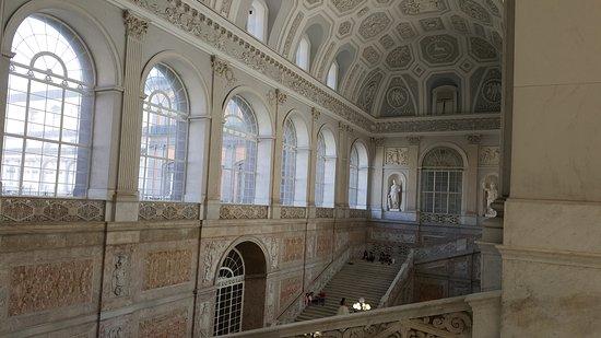 Palazzo Reale : scalone