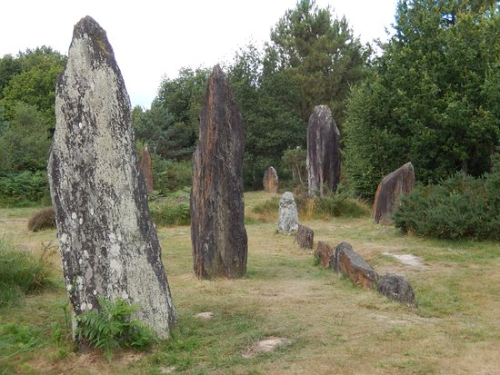 Huge stones at Megalithes de Monteneuf