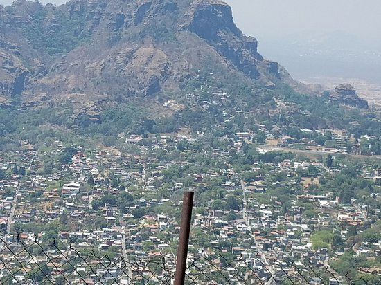 Tepoztlan, Mexico: view of the city and valley