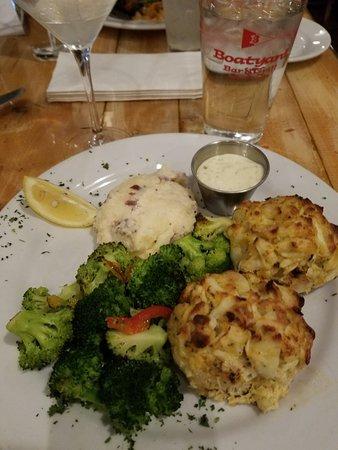 Boatyard Bar & Grill : Great food