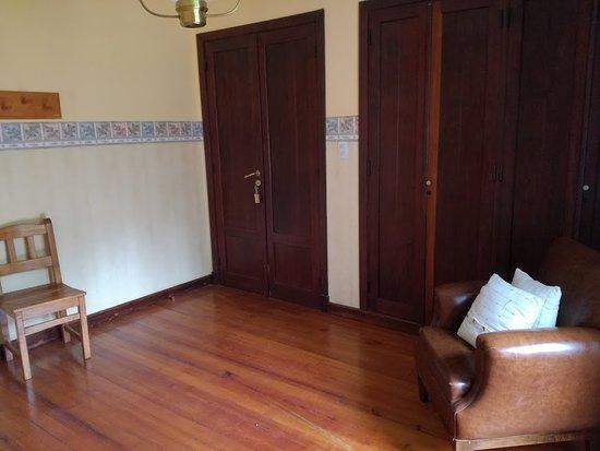 Hosteria Futalaufquen: entrada, a la habitacion, recepción