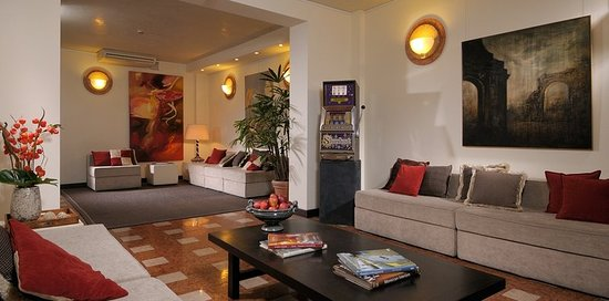 Al cappello rosso updated 2019 prices hotel reviews for Hotel bologna borgo panigale