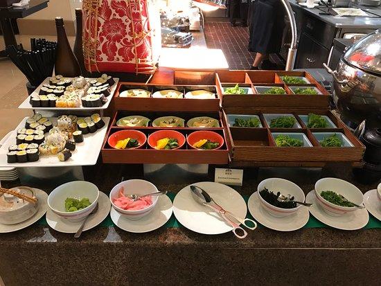 La Coupole: Sushi for Breakfast