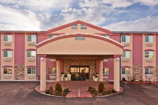 Holiday Inn Express Santa Rosa: Exterior