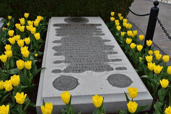 Independence, MO: Harry Truman gravesite