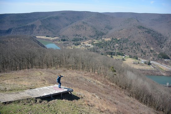 Renovo, PA: Ramp used to sail off for Hang gliding
