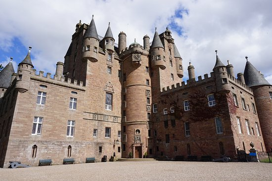 Glamis Castle (no photos are allowed on the inside)