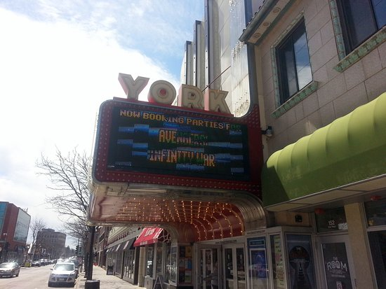Elmhurst, IL: the front of Classic Cinemas - York Theatre