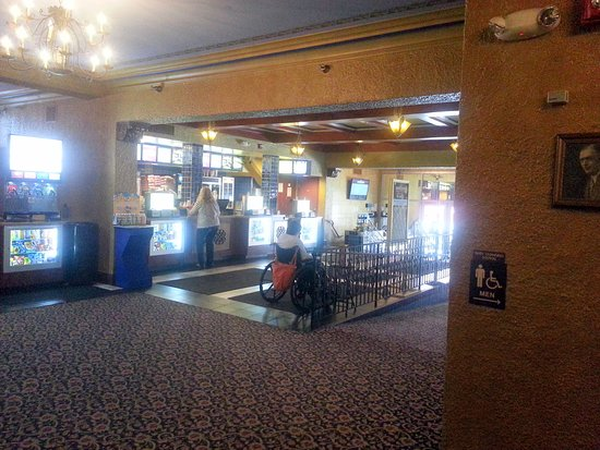 Elmhurst, IL: the lobby & concession stand of the York Theatre