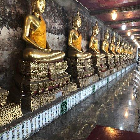 Wat Suthat : photo5.jpg