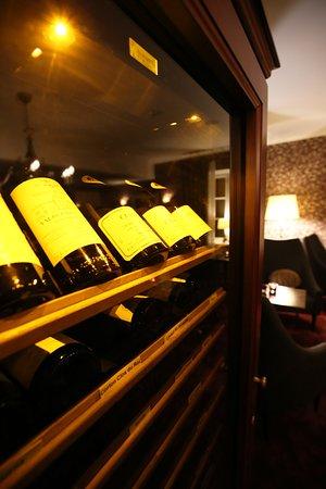 Pollowaari: Good wine selection, also cellar wines