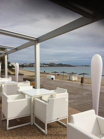 Hotel Garbi Ibiza & Spa: Chillout mit Blick zu Ibiza Stadt