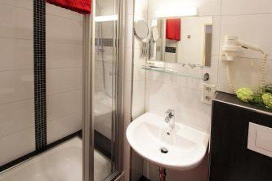 Altenbeken, เยอรมนี: Badezimmer