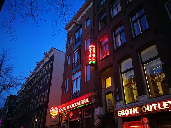 Hotel 83 Amsterdam: IMG_20180418_210322_large.jpg