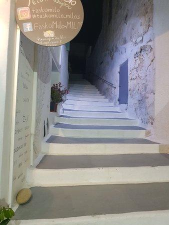 Semiramis Hotel: 20180422_210800_large.jpg