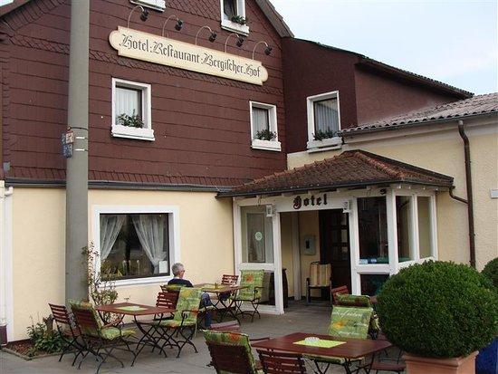 Marialinden, Duitsland: terrasje aan de voorzijde