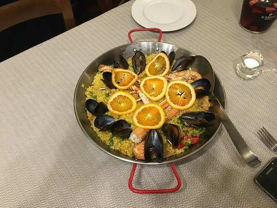 Vaiano, Italie : Paella