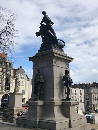 Monument Aux Morts Guerre 1870
