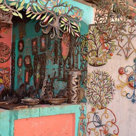 Village Artistique de Noailles: photo2.jpg