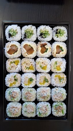 Rolls With 1 Cucumber And Sesame Seeds 2 Cheese And