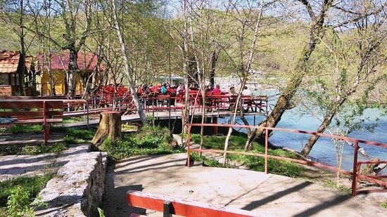 """Kolasin Municipality, Montenegro: Ресторан """"Рай"""" на р. Тара"""