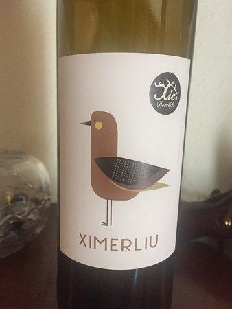 Figuerola de Orcau, Spagna: Botella de vino Ximerliu