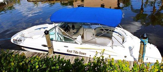 Captain Mannis Executive Boat Rentals