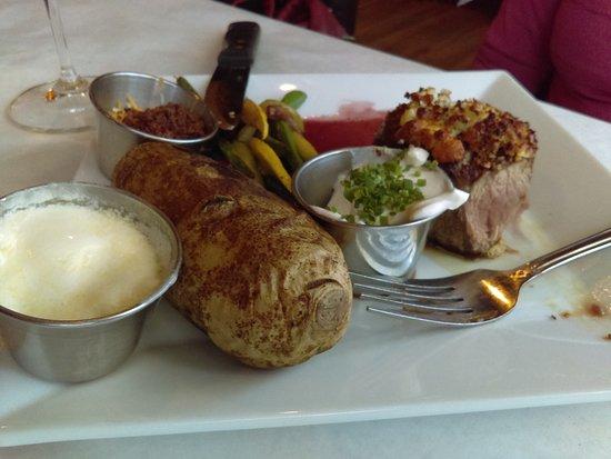 Cornville, AZ: Filet, medium rare and delicious...
