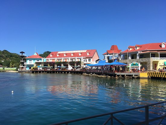 Bananarama Beach and Dive Resort: Port of Roatan Honduras