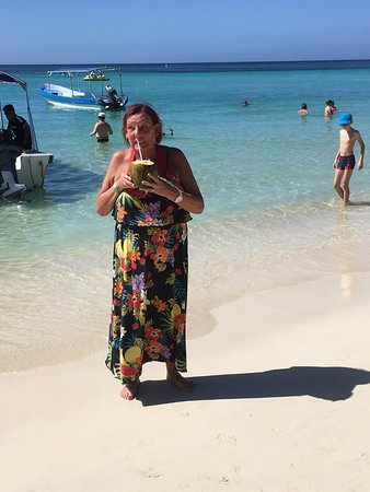 Bananarama Beach and Dive Resort: Enjoying coconut on the beach