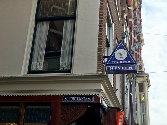The Corrie ten Boom House: Street sign to the museum